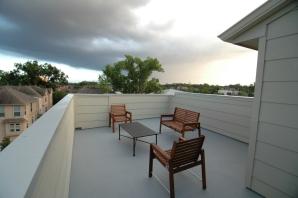 huge-roof-deck