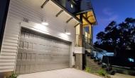 Garage-night